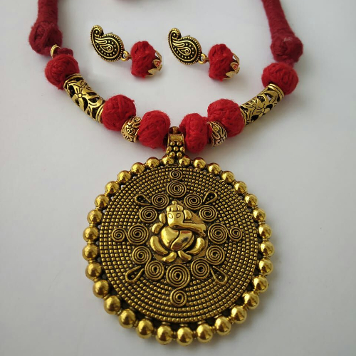 Red Threaded Ganesha Pendant Necklace with Earrings