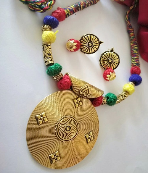 Multi ColourThreaded Fancy Big Round Pendant Necklace With Earring