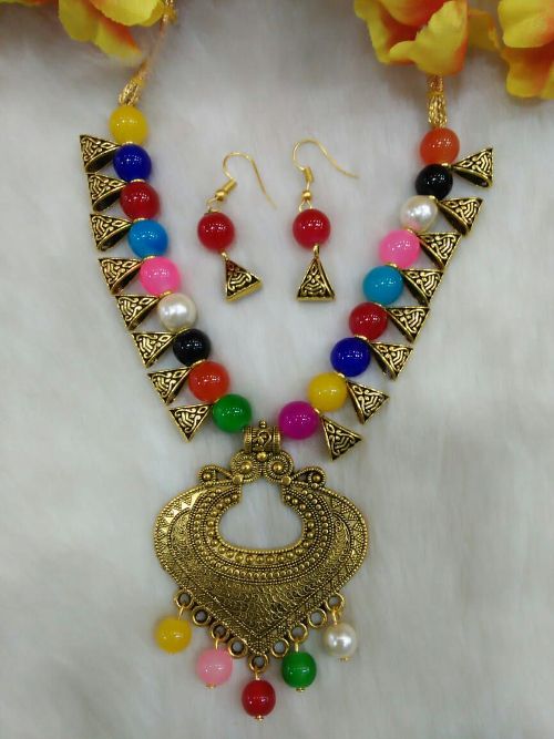 Multicolour Stylist Pendant Indo Western Necklace With Earrings