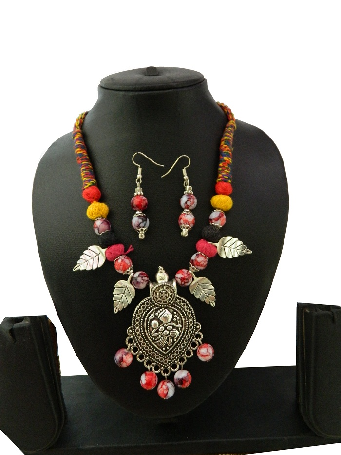 MultiColour Threaded Fancy Pendant Necklace With Earrings