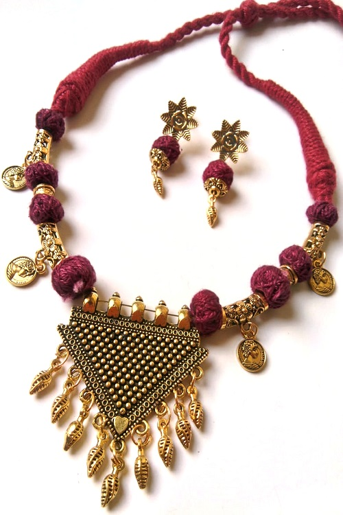 Red Threaded Designer Pendent Necklace With Earrings